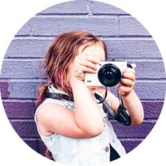 girl-camera-home-eccp